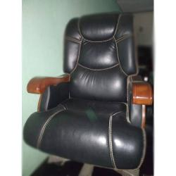 DELUXE EXECITIVE OFFICE CHAIR|LEATHER DEL 208