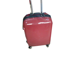 SINGLE PIECE TRAVELLING LUGGAGE RED